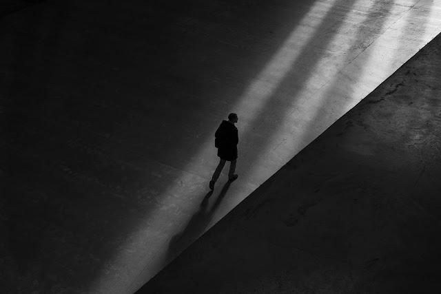Mạng xã hội - Giới trẻ sống ảo và sự cô đơn ở thế giới thật