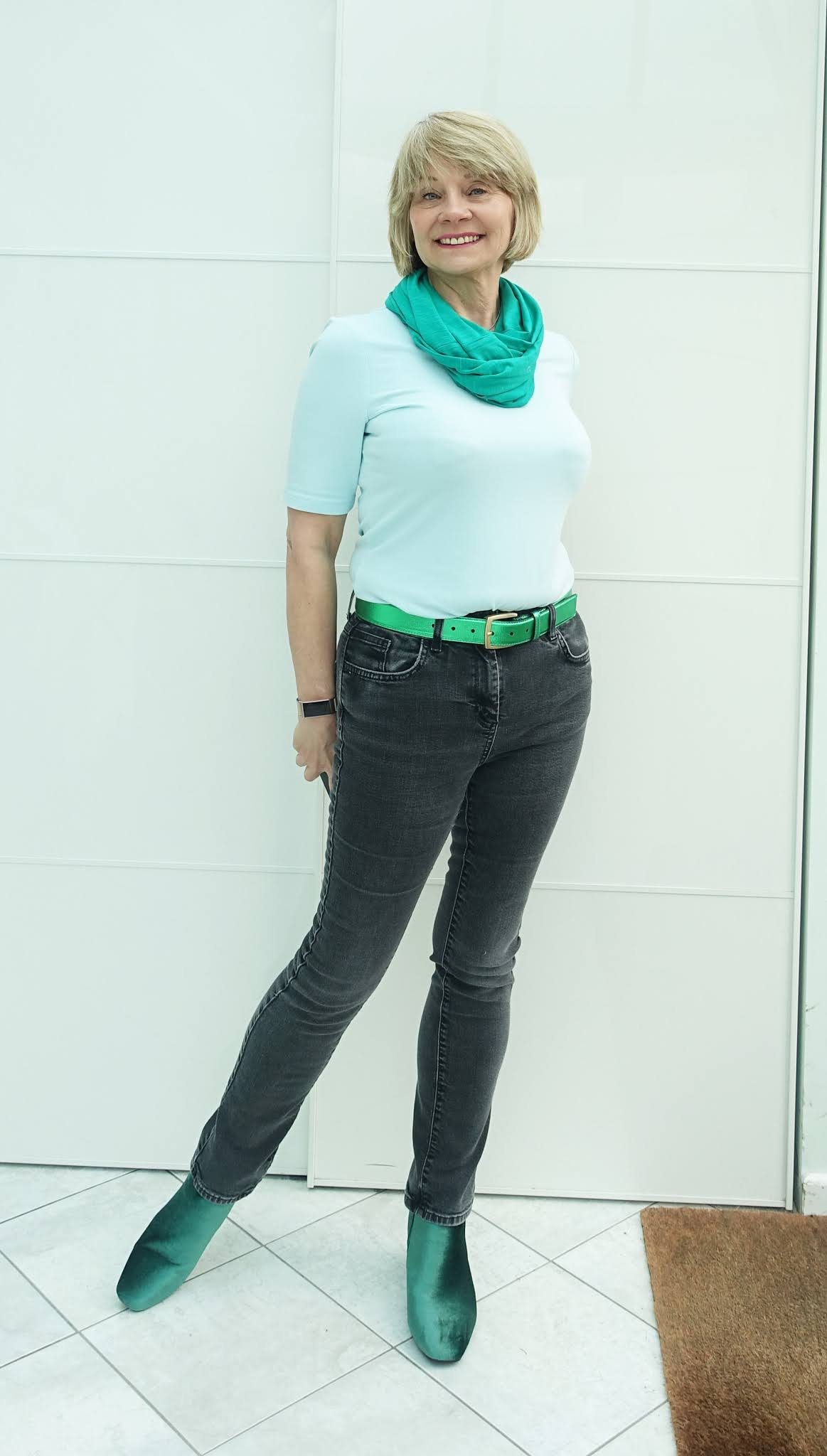 Metallic belts, infinity scarves and colourful boots are great ways to add your own style touches to jeans and a t-shirt