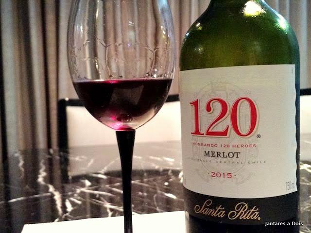 Foto garrafa do vinho 120 merlot