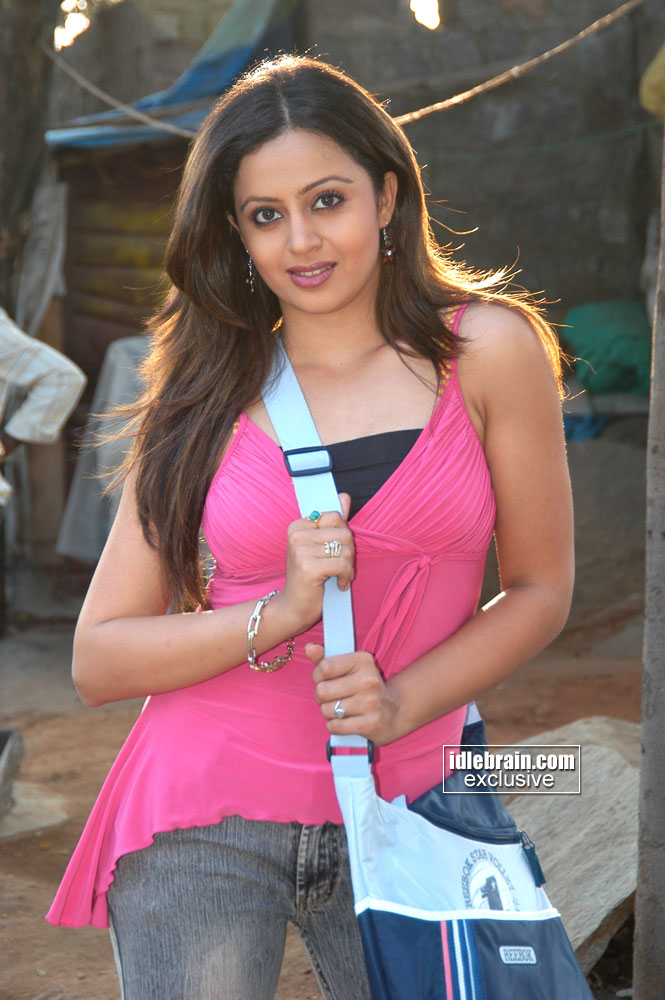 Neha Pendsey Spicy Marathi Actress Photo Gallery Spicy Pics