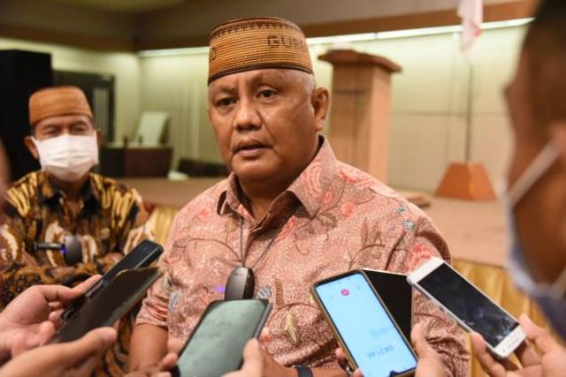 Risma Ngamuk dan Teriak di Rapat Bansos, Gubernur Gorontalo Tersinggung
