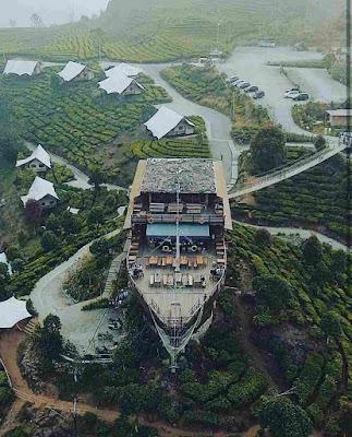 Spot Wahana Kapal Pinisi Wisata Glamping Lakeside Rancabali
