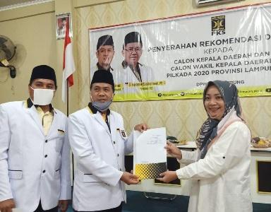 PKS memberikan surat rekomendasi kepada Bacalon Kada di Provinsi Lampung
