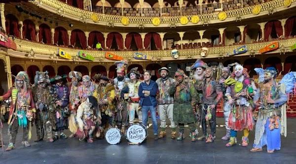 """Pasodoble con Letra """"Las Calles siguen dormidas. Comparsa """"Los Carnivales"""" (2019)"""