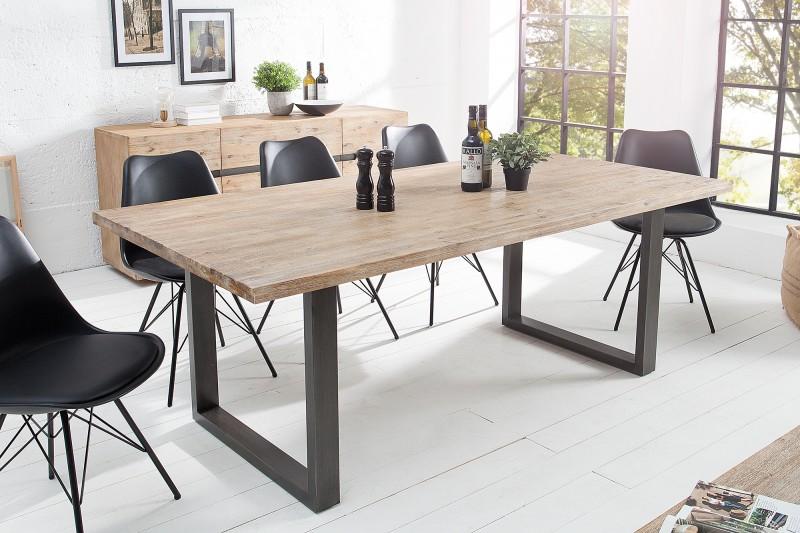 7bbda2efcdae Masívny jedálenský stôl z agátového bieleného dreva. www.reaction.sk