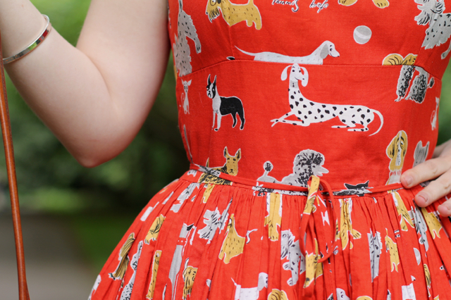 Bernie Dexter Chelsea dog print dress for a 50s summer look