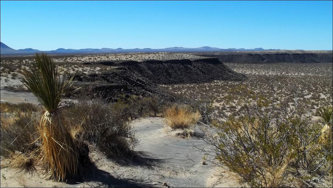 Kilbourne Hole A Volcanic Burp 1 000 Miles On My Own