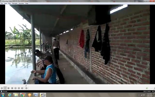 Vidio : Guna Cegah Penyebaran Corona Polisi Bubarkan Orang Berkerumun Termasuk Pengunjung Kolan Pancing
