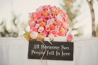 cute-love-photography-with-quote-rose-all-because-two-people-fell-in-love.jpg