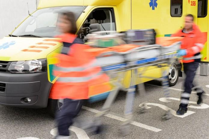 Χαλκιδική: Δύο τραυματίες από σύγκρουση λεωφορείου-Ι.Χ. στην Ε.Ο. Θεσσαλονίκης-Μουδανιών