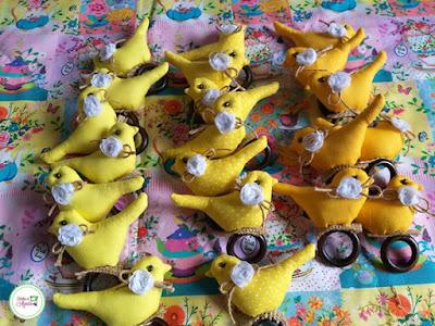 passarinhos de tecido amarelo porta guardanapo