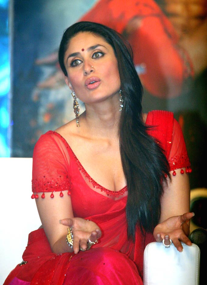 Most Popular Video: kareena-kapoor-ra.one-music