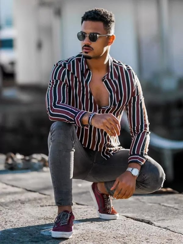 Sit on toes, Sitting Style Pose Ideas For Men.