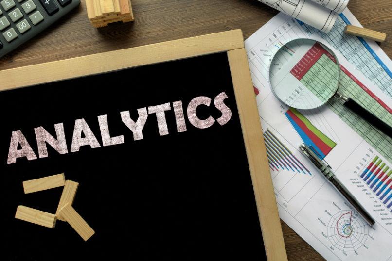Google Analytics con licencia de Adobe Stock