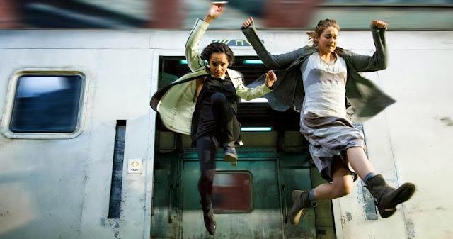 Zoë Kravitz şi Shailene Woodley în Divergent