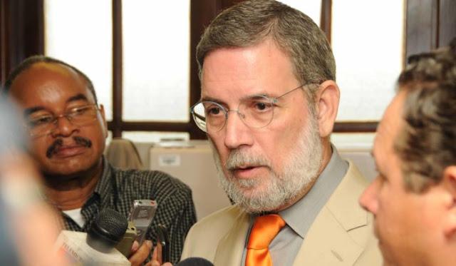 """El director de comunicaciones de la Presidencia """"Roberto Rodríguez Marchena"""" aseguró que la gente quiere que Danilo Medina siga más allá del año 2020."""