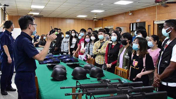 明道大學外籍生參訪北斗警分局 提升自我防衛意識