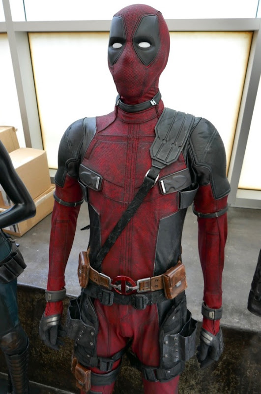 Deadpool 2 movie costume