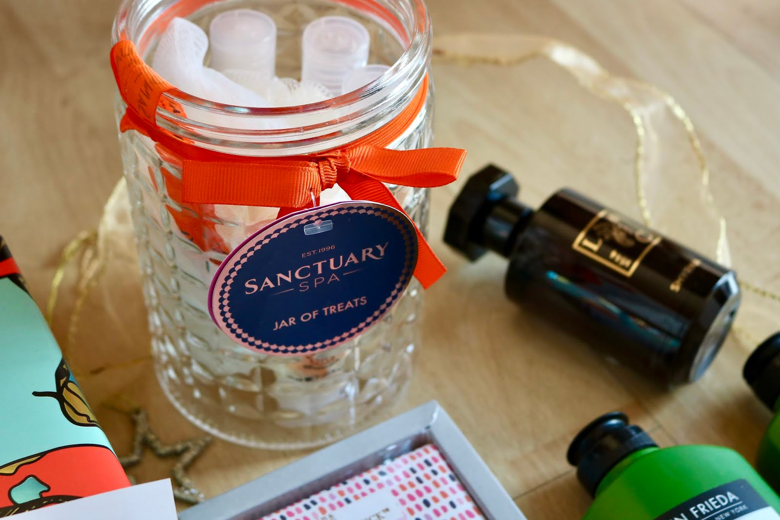 SANCTUARY SPA JAR OF TREATS