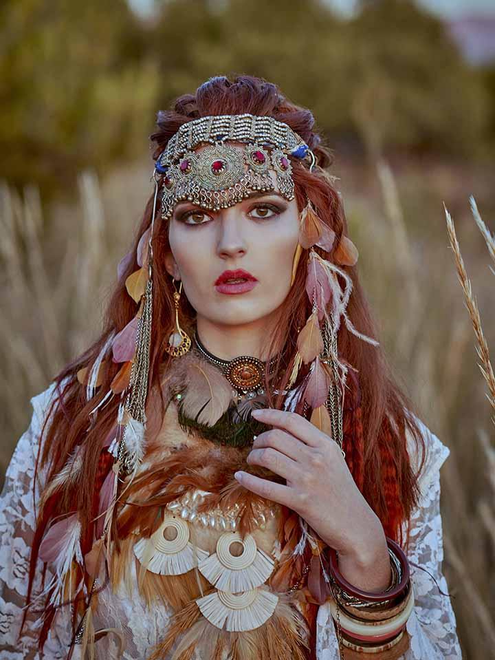 peinado con corona para novia 2020