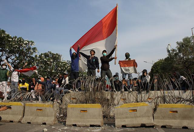 Demo Perppu KPK Tak Akan Berhenti, Mahasiswa: Nafas Masih Panjang