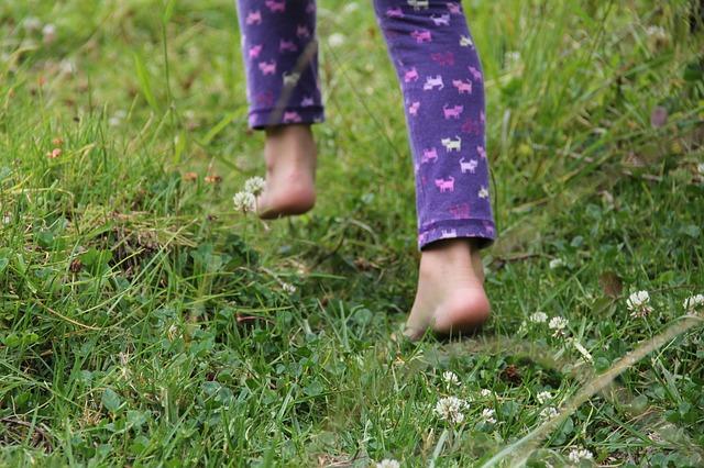 Benefits of Walking Barefoots.