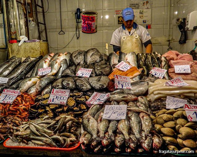 Banca de frutos do mar do Mercado de Santiago