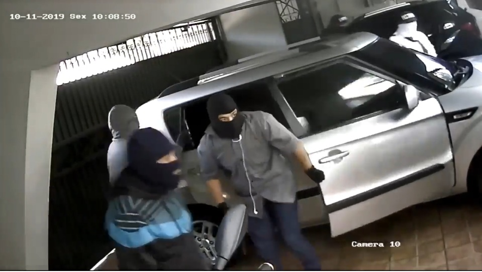 Một vụ cướp bằng súng táo bạo tại Brazil