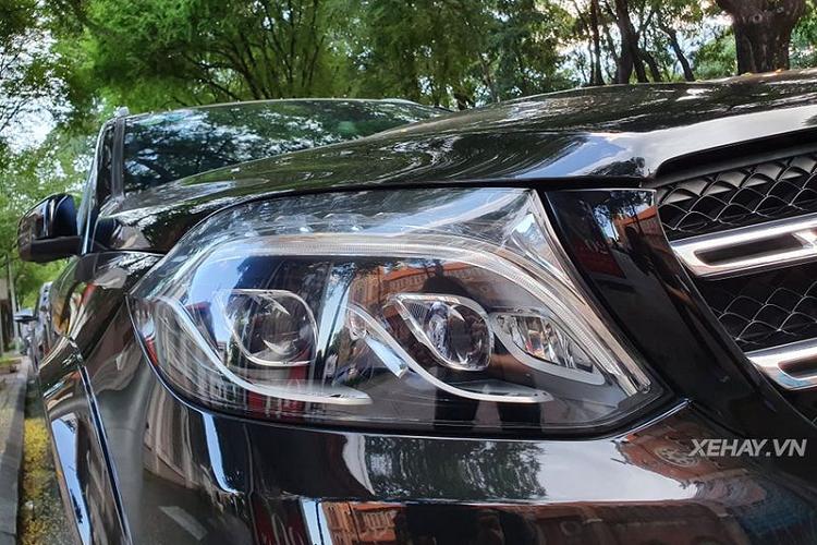 Cận cảnh Mercedes-AMG GLS 63 hơn 10 tỷ trên phố Sài Gòn