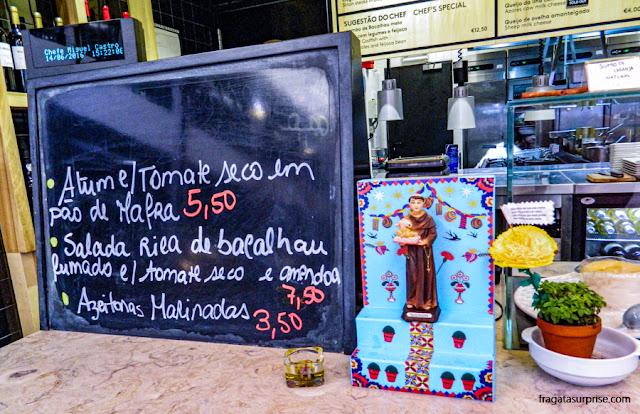 Boxe do Mercado da Ribeira, Lisboa, celebra Santo Antônio