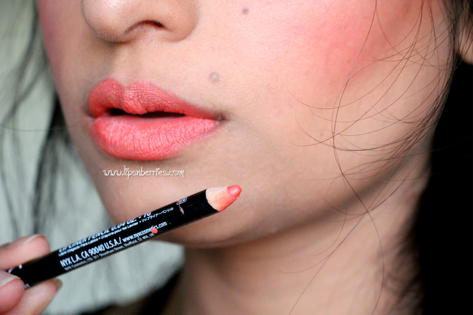 NYX Lipliner review - Coral- swatch