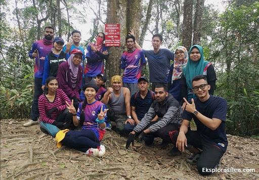 Hiking di Gunung Berembun Telapak Buruk Jelebu Negeri Sembilan