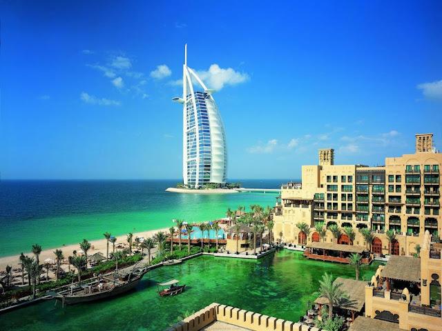 Emirati Arabi: Cittadinanza a talentuosi che portano un valore aggiunto alla Federazione del Golfo Persico