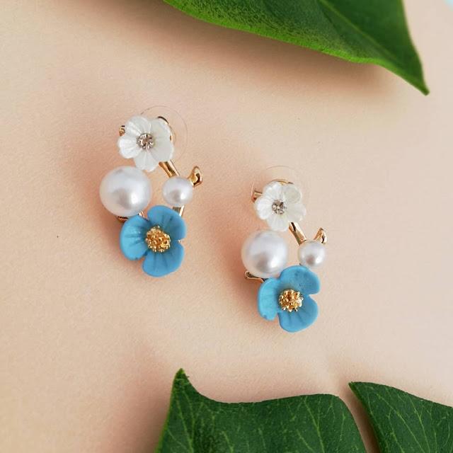 Dijual Anting Bunga Kelopak Biru yang Penuh Ketenangan dan Anggun, Cocok untuk Jadi Koleksi Sobat
