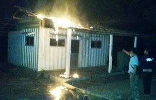 Kantor Pos Terpadu Milik PT. ESL Dilalap Api