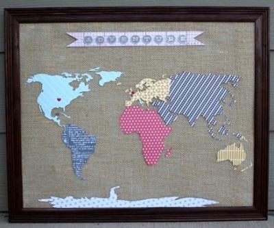 World Travel Map ini terbuat dari burlap/goni untuk dasarnya dan kertas warna untuk gambarnya.