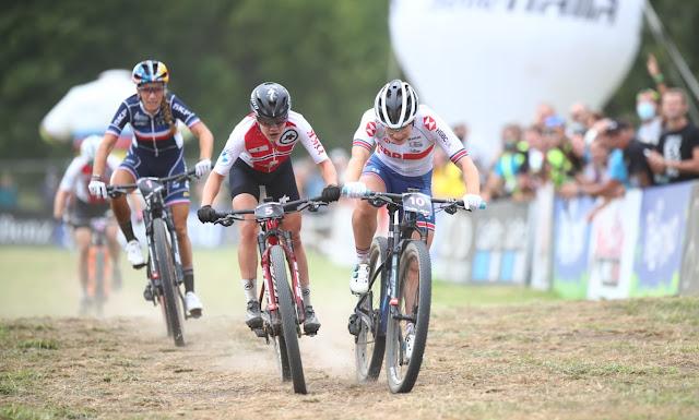 Sina Frei é primeira campeã mundial de MTB Short Track - Foto: Val di Sole Bike Land