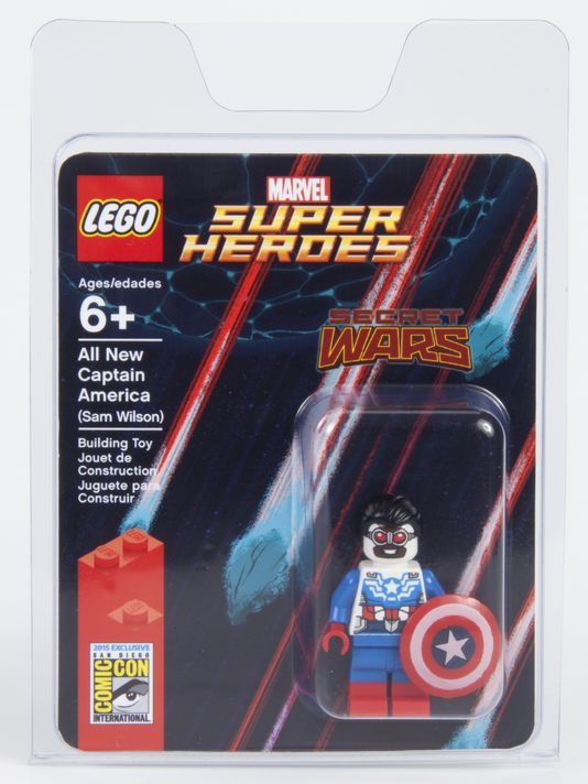 SDCC 2015: LEGO Debuts Sam Wilson's All-New CAPTAIN AMERICA