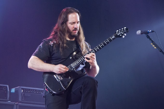 Ya disponible el primer single del nuevo álbum de John Petrucci.