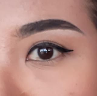 Hasil akhir pemakaian eyeliner