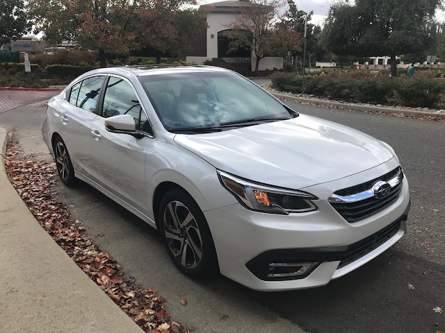 Front 3/4 view of 2020 Subaru Legacy Limited