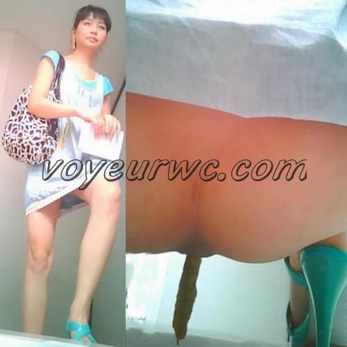 China Voyeur Shit Toilet SpyCam 19. Beautiful girls shitting. (Chinavoyeur B444-613)