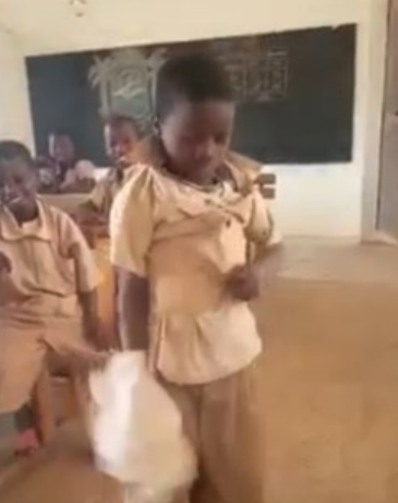 Pupil puts on multiple shirts to school to stand teacher's cane