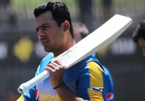 Sharjeel Khan Takes Power-Hitting Tips From Mohammad Yousuf