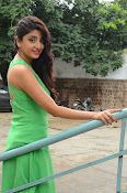 Poonam Kaur latest sizzling photos-thumbnail-6