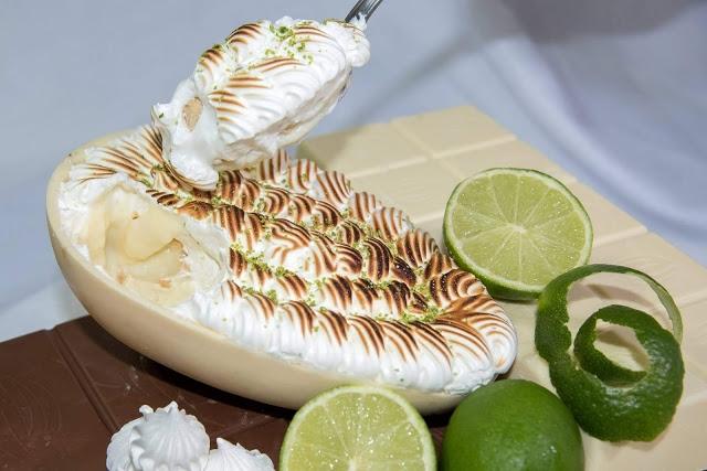 Ovo de páscoa de colher recheado com torta de limão