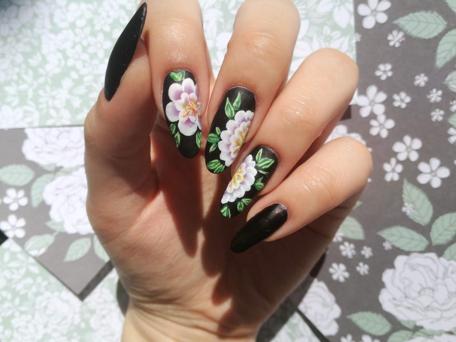 paznokcie w kwiaty one stroke