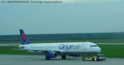 Airbus A321-231 o rejestracji TC-OAK tureckich linii Onur Air