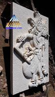 Ukiran relief dari batu aparas jogja / batu putih gambar wayang duryudana