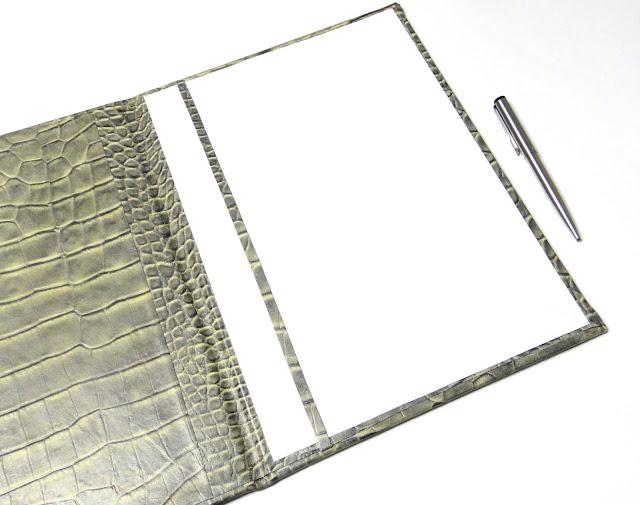 Кожаная папка на подпись руководителю с фамилией на обложке - ручная работа, натуральная кожа верхний и внутренний развороты